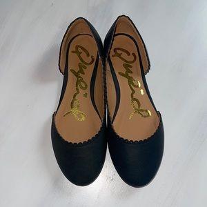 Qupid Black Scalloped Ballerina Flats size 6